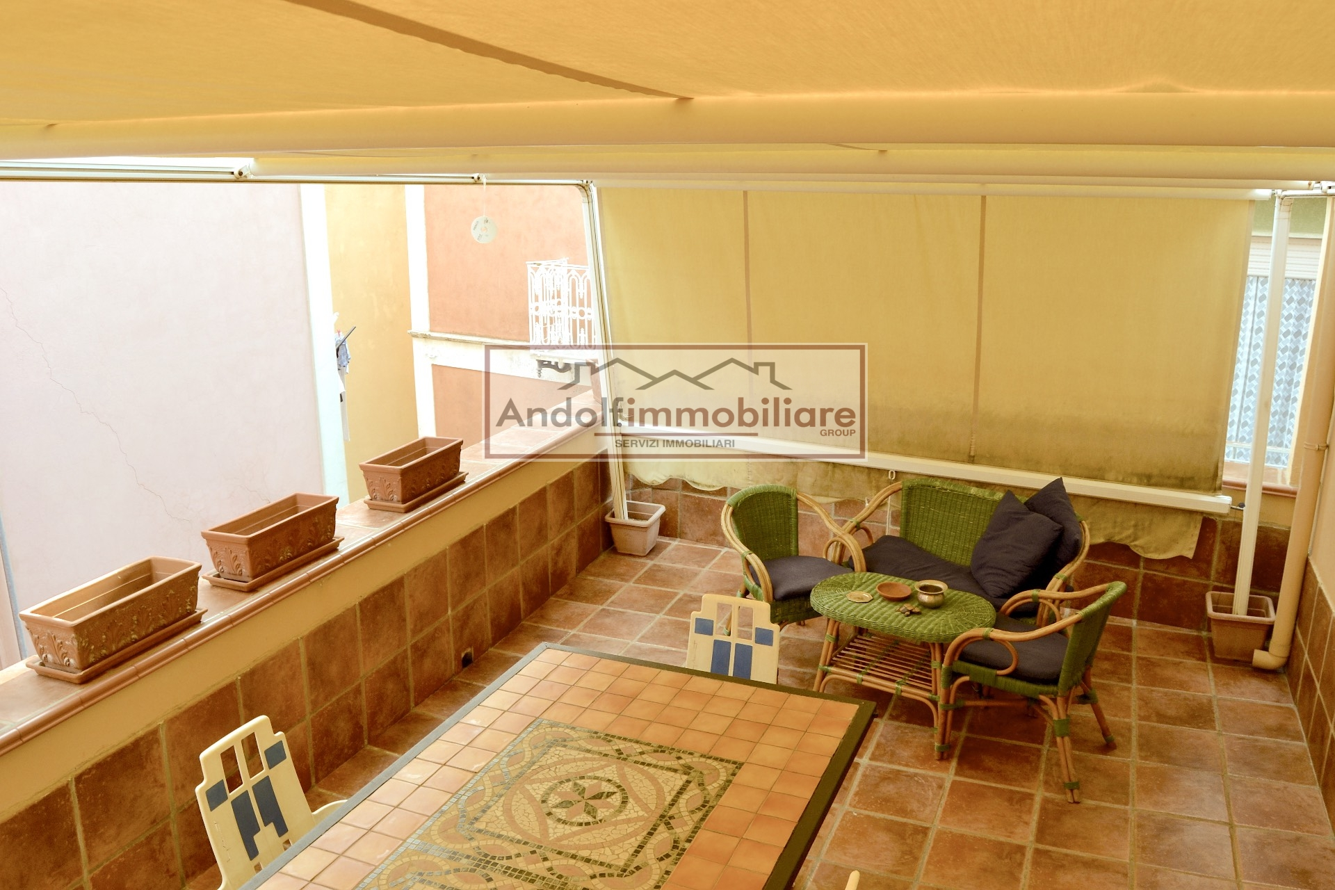 Gaeta Villa delle Sirene, appartamento con terrazzo a livello in vendita.