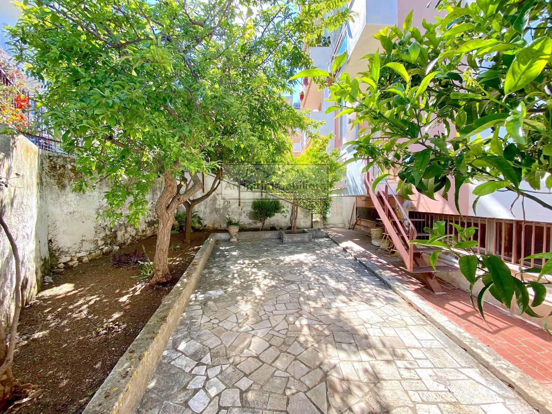 Gaeta zona Cuostile/Eucalipti. Appartamento panoramico con giardino e p.auto in Vendita a Gaeta.