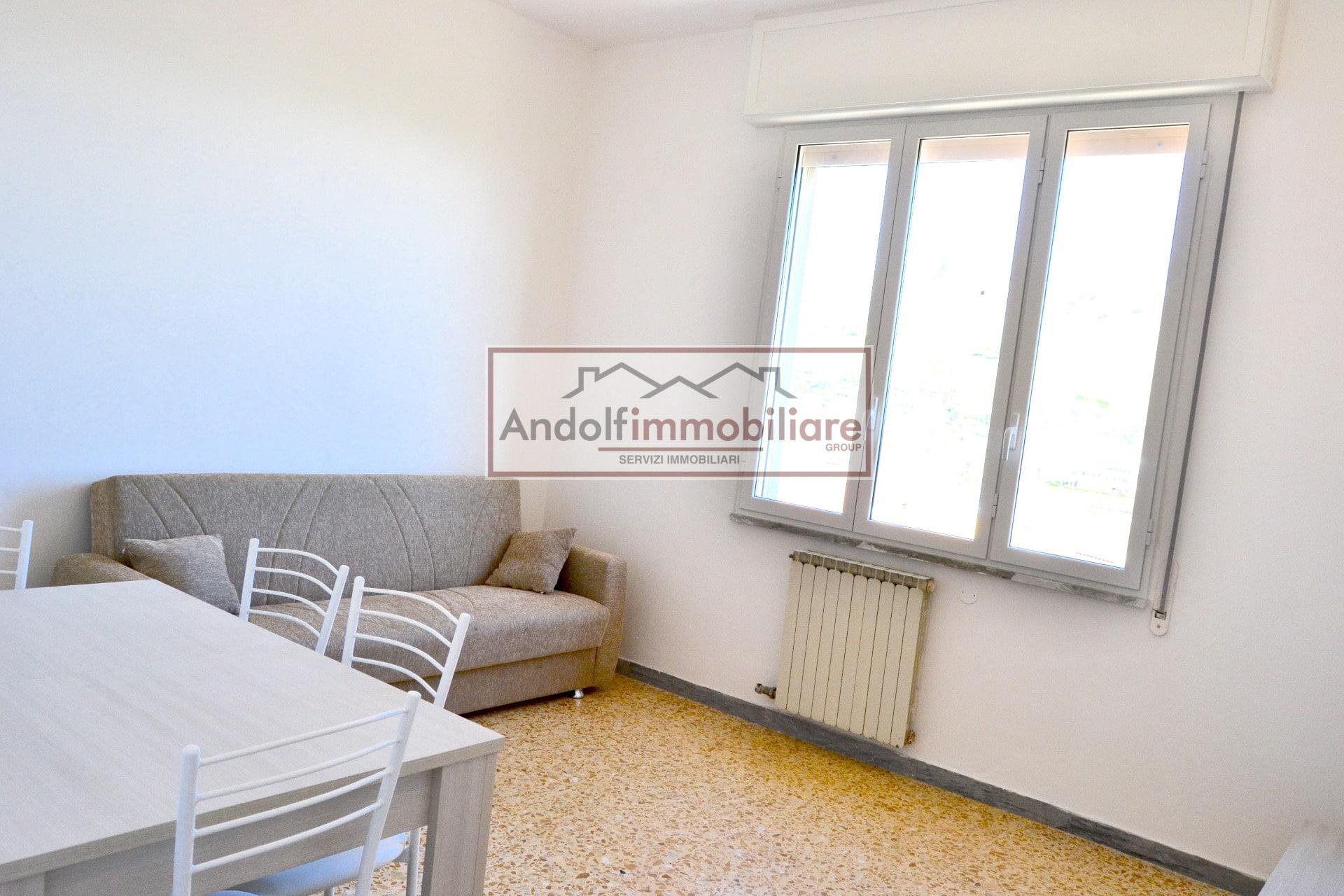 Gaeta Via Monte Tortona. Appartamento in affitto 3+2 a Gaeta