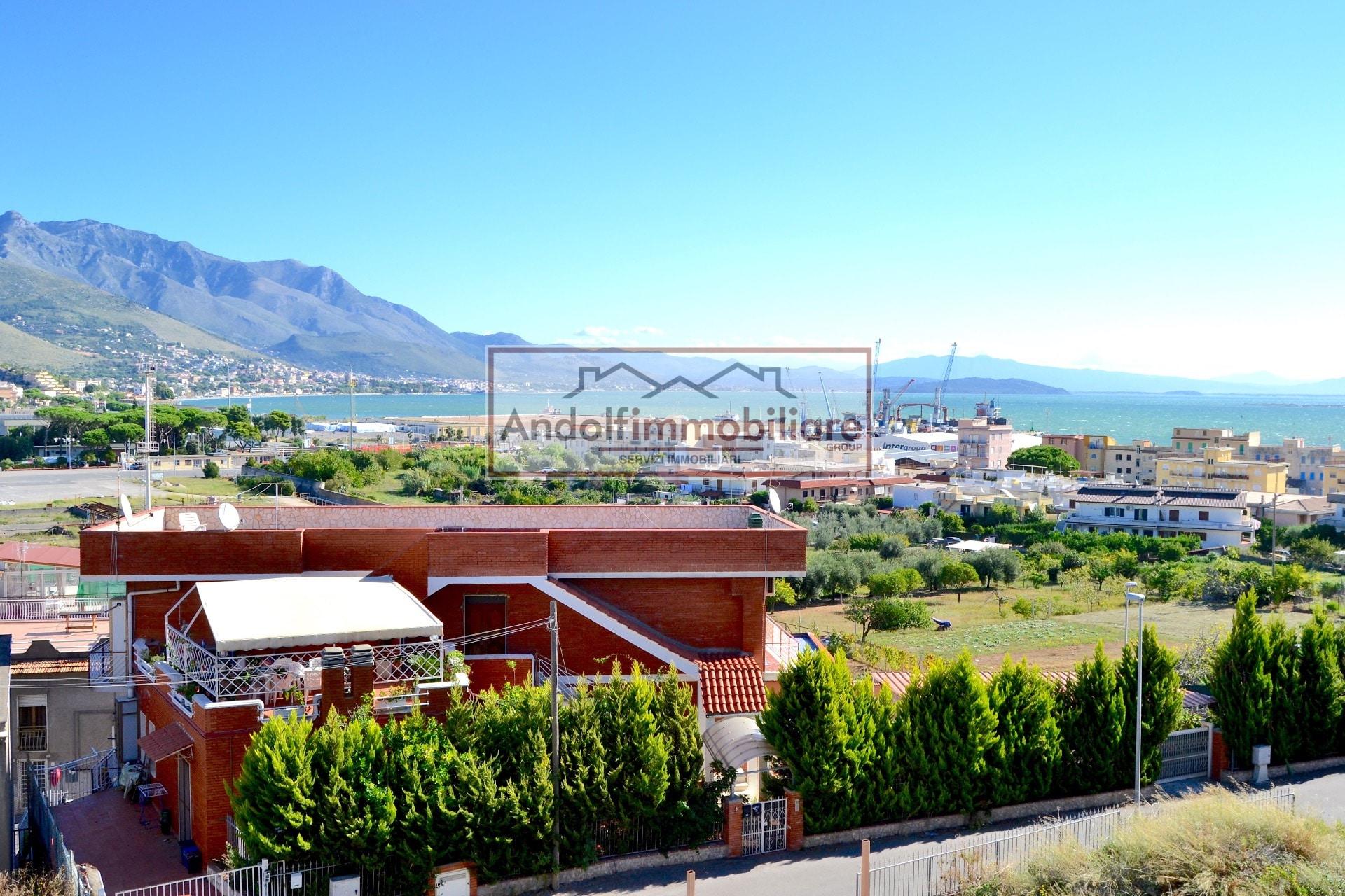 Case vista mare in vendita a Gaeta - TrovaCasa